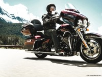 Electra Glide_Ultra_Limited_Low_2015